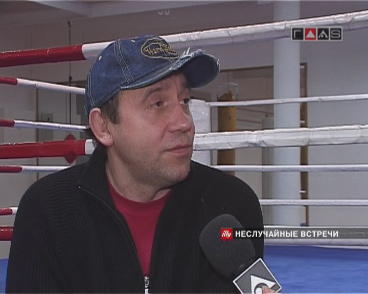 Евгений Кемеровский в клубе «Капитан».
