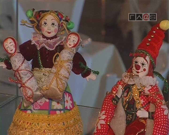 Люди, которые играют…в куклы!