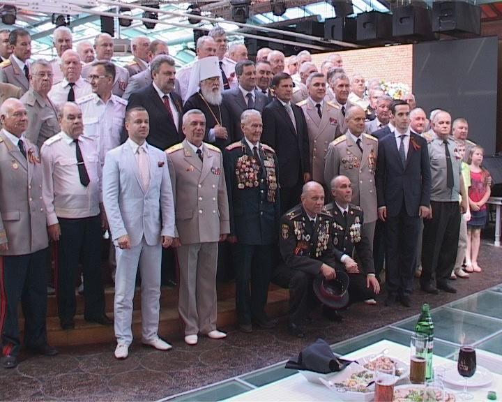 Встреча в Садах Победы