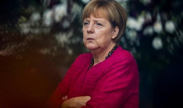 Меркель едет к Обаме говорить об Украине