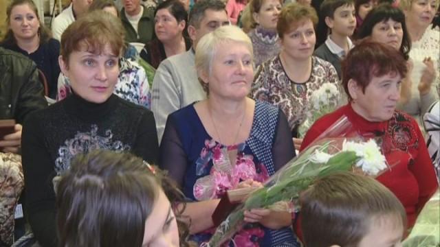 Звание «Мать-героиня». Присвоено 40 матерям Одесской области