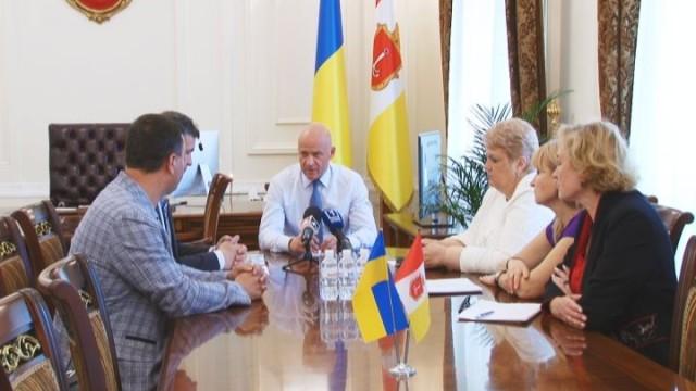 Мэр Одессы провел совещание по больнице скорой медицинской помощи