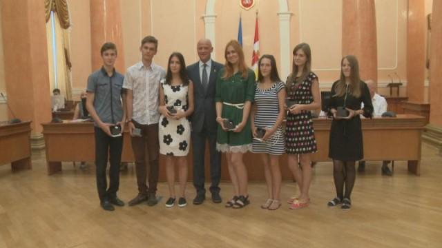 В Одесском горсовете поздравили выпускников
