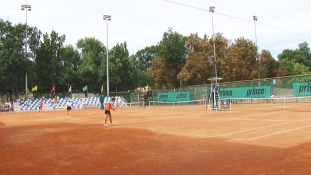 """""""PARK Residence Summer Cup U10, U16"""" на кортах Lawn Tennis Club"""