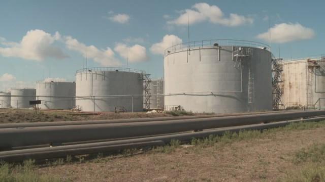 Геннадий Труханов посетил предприятия нефтеперерабатывающей отрасли