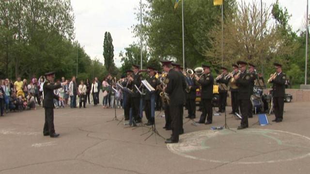 9 мая: выступление военного оркестра