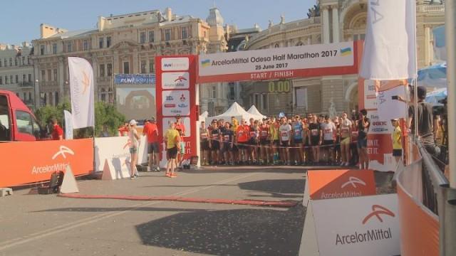 Большой забег: Odesa half marathon 2017