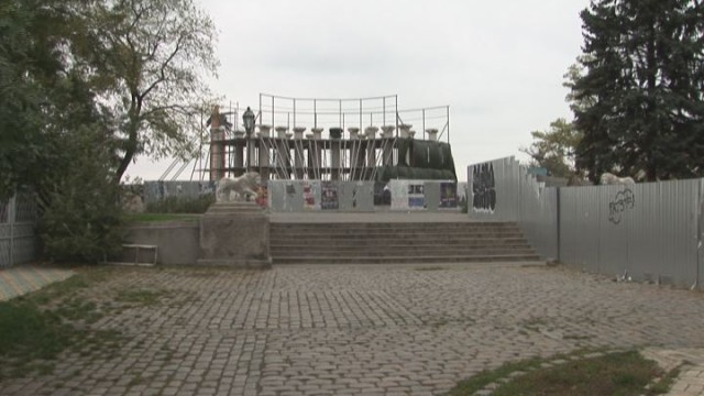 Защитный купол Воронцовской колоннады укрепляют