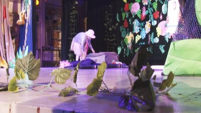 В Доме с ангелом прошла премьера спектакля детской театральной студии