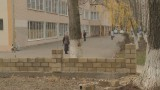 Школа №55: родители требуют забор