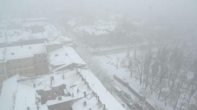 В Одессе борются со снегом