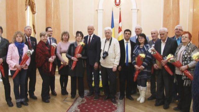 Деятелей культуры наградил Геннадий Труханов