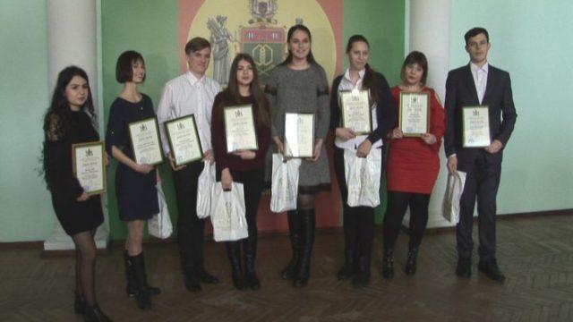 Лучших первокурсников наградили в ОНАПТ