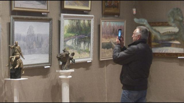Виставка трьох народних художників України