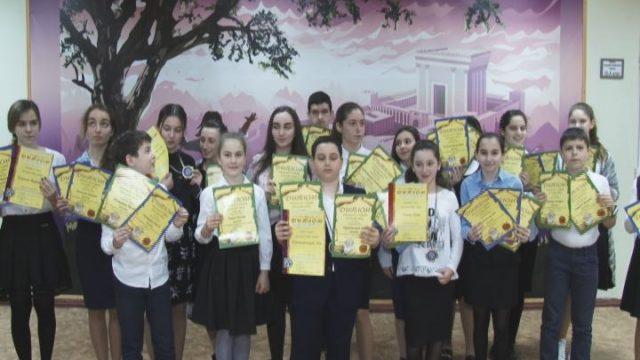 Победа школы Хабад!