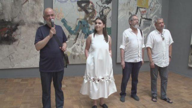 Выставка работ Владимира Наумца