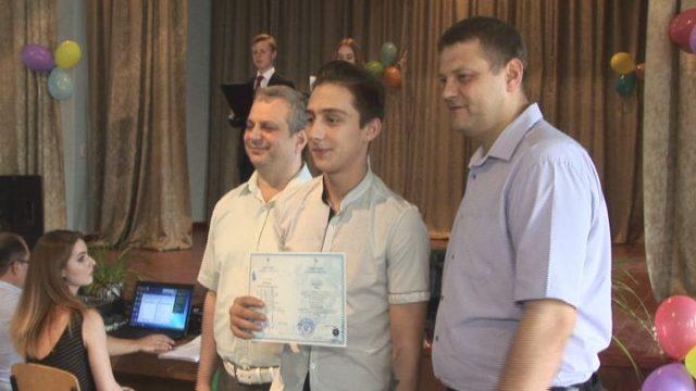 Механико-технологический колледж поздравил выпускников