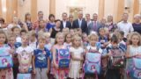 Маленьким одесситам вручили рюкзаки к началу школы