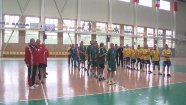 Классики гандбола на «Черноморских играх»