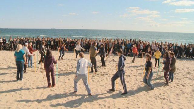 Зарядка возле моря: спортивный переход от ОНАПТ
