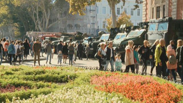Выставка военной техники на Думской площади