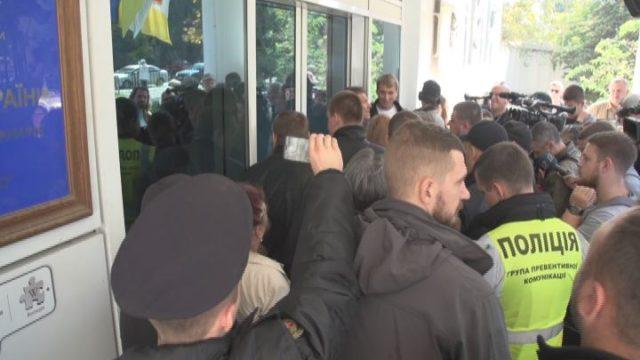 Митинг под Одесской киностудией