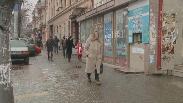 «Це зруйнує економіку»: міфи та реалії воєнного стану в Україні
