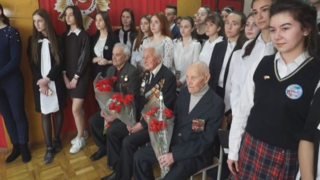 Школи Малиновського району отримали книги про оборону Одеси