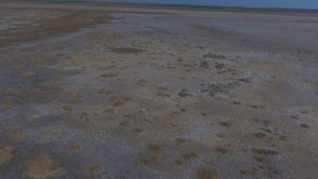Солоний лиман перетворюється в пустелю