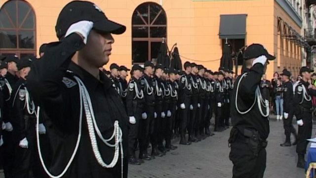 Майбутнє поліції: 338 курсантів склали присягу