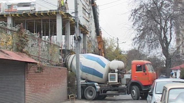 Вулиця Педагогічна: будівництво поза законом?
